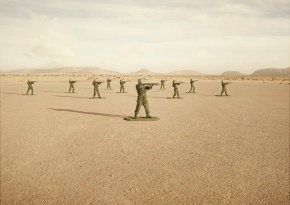 simon-brann-thorpe-toy-soldiers-designboom-06